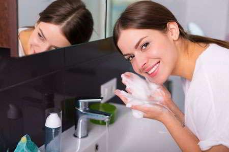 ضرورت استفاده از ژل شستشوی صورت
